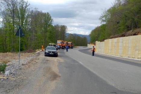 Constructorii pot începe reabilitarea DN76 pe tronsonul Ştei-Vârfuri: între firmele angajate de CNAIR sunt şi două care au făcut bucata de Autostradă Borş-Biharia (FOTO)
