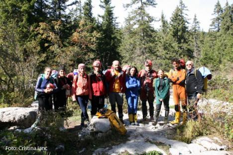 Primele femei-speolog din România au atins cota -1136 metri în Franţa (FOTO)