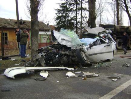 Patru morţi şi un rănit, într-un accident pe Clujului (FOTO)