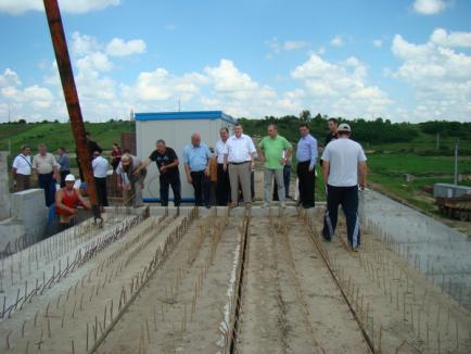 Lucrările la barajul Suplacu de Barcău, finalizate în proporţie de 80%