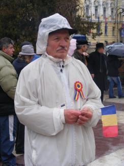 Premieră de Ziua Naţională: Jerbă de flori din partea Partidului Comuniştilor din România