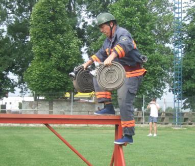 Pompierii voluntari din Popeşti sunt cei mai buni din judeţ