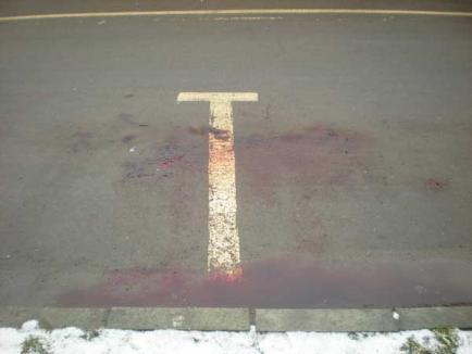 O orădeancă de 32 de ani a murit lovită de o maşină pe trecerea de pietoni (FOTO)
