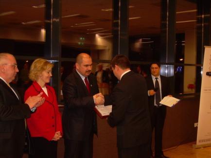 Primăria a premiat primii 10 contribuabili la bugetul local (FOTO)
