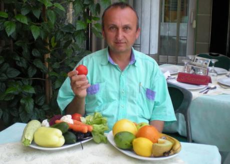 """Misionarul """"verde"""": Vegetarianul Florian Chirilă propovăduieşte regimul alimentar sănătos"""