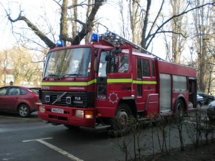 A dat foc casei tatălui său şi a murit carbonizat