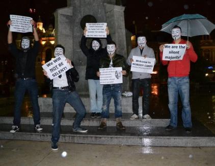 """Vuşcan şi-a adunat 5 prieteni şi a protestat în ploaie împotriva """"sistemului"""""""