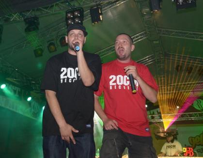 Paraziţii au deschis show-ul la Yellow Fest (FOTO)