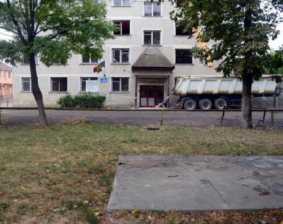 Şatra din faţa Căminului Cominca, desfiinţată: evacuaţii au fost mutaţi la azilul Gutenberg