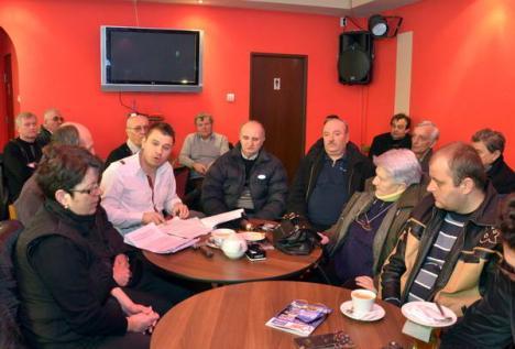 Horea Vuşcan a adunat preşedinţii de asociaţii care se încălzesc pe apă geotermală şi cer cu toţii să nu treacă la CET!