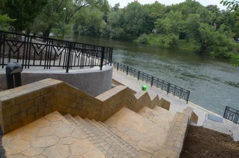 Promenada dintre podul Dacia şi Podul Intelectualilor a fost inaugurată (FOTO)