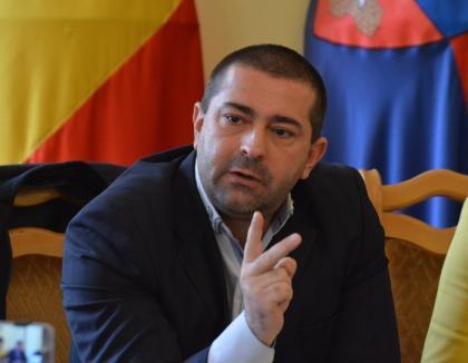 """Foncea om-sucit: A renunţat să fie director financiar la Spitalul Municipal ca să dezvăluie """"matrapazlâcurile"""" din CAS, dar se vrea... manager"""