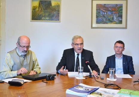 Tőkés îi cere lui Bolojan să mute Ziua Oradiei din 12 octombrie, fiindcă e 'o sărbătoare a durerii' pentru maghiari
