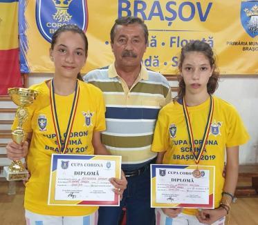"""Spadasinii de la LPS Bihorul, cinci medalii la Cupa Internațională de Scrimă """"Corona' de la Brașov"""