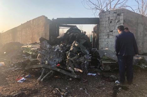Un avion ucrainean s-a prăbușit în Teheran. Toate cele 176 de persoane de la bord au murit (FOTO / VIDEO)