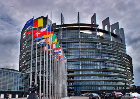 """Dezbateri europene. Europarlamentar socialist despre Dragnea: """"Cum este posibil ca această persoană să rămână în funcţie?' (VIDEO)"""