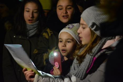 Gulguţe în Parcul 1 Decembrie: Orădenii au sărbătorit Ora Pământului (FOTO / VIDEO)