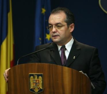 Guvernul îşi asumă răspunderea pe măsurile anti-criză