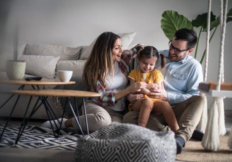 Cum îţi asiguri un preţ fix la electricitate timp de 12 luni pentru casa ta