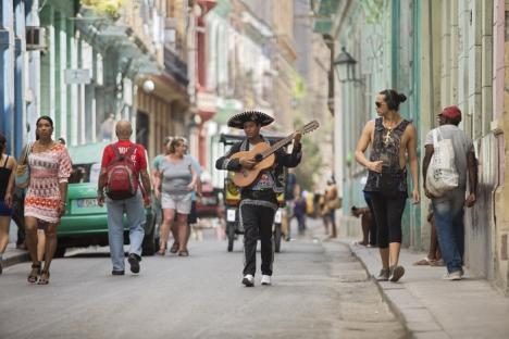Fotograful Remus Toderici expune poze din Cuba, la Muzeul Cetăţii şi oraşului Oradea (FOTO)