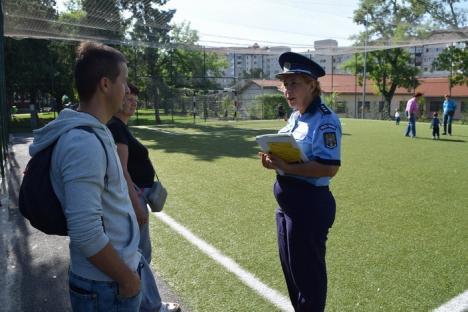 Cu ochii pe şcoli! Sute de poliţişti patrulează în zona unităților de învățământ din Bihor (FOTO)