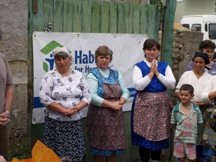 Peste 1.000 de bihoreni, ajutaţi de Habitat pentru Umanitate în 2010
