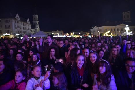 Piaţa Unirii a fost plină în a doua seară a Oradea FestiFall. Află ce evenimente sunt programate sâmbătă şi duminică! (FOTO / VIDEO)