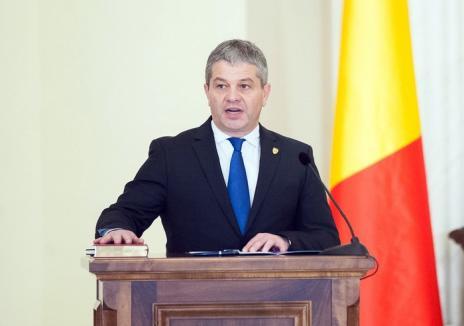 Sentință a Curții de Apel Oradea: Ministrul Sănătăţii, Florian Bodog, poate să conducă doctorate din nou