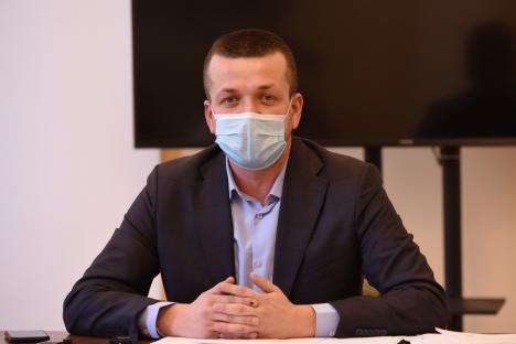 Primarul Florin Birta: Vrem să dotăm toate şcolile din Oradea cu lămpi UV, termometre, dozatoare cu senzori şi alte materiale de protecţie(VIDEO)
