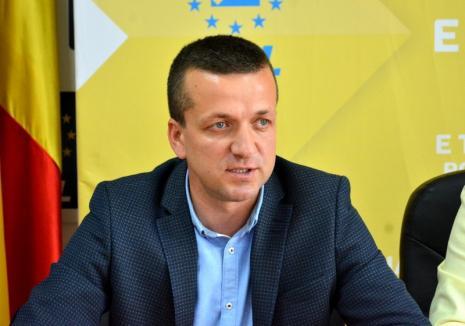 Rareş Bogdan şi încă patru 'grei' ai PNL vor participa joi la singurul miting organizat în Oradea în campania pentru europarlamentare