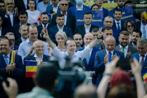 Florin Cîţu a fost ales preşedinte al Partidului Naţional Liberal. A primit cu circa 1.000 de voturi mai mult decât Orban (VIDEO)