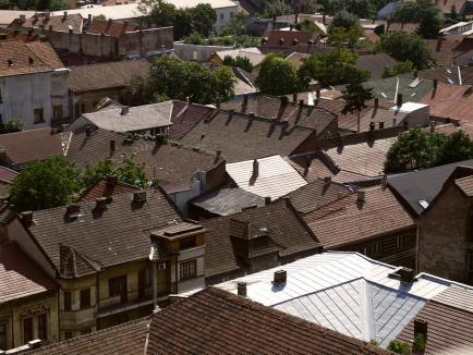 Oradea, văzută de alţii. Expoziţie inedită la Galeria 'Ştefan Vilidár István' din Cetate (FOTO)