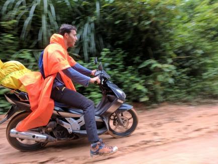 Hoinari prin Asia: Timp de 90 de zile, trei tineri orădeni au străbătut şase ţări asiatice cu rucsacurile în spate (FOTO)