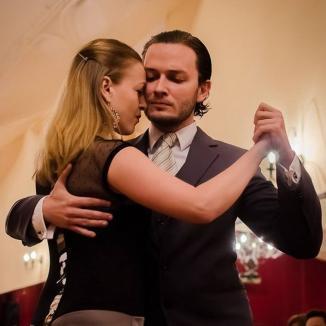Mărţişor simfonic în paşi de tango, cu Analia Selis