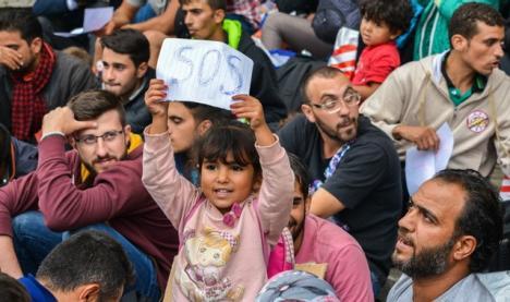 Expoziţie cu imagini care documentează crizele umanitare din lume, la Oradea