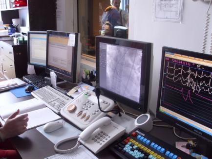 Medicii de la Spitalul Judeţean au făcut o demonstraţie de intervenţie pe cord cu angiograful