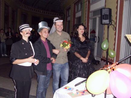 Orădenii s-au căsătorit şi au divorţat în Pasaj. Şeful TSD Bihor Emilian Pavel s-a luat cu un băiat! (FOTO)