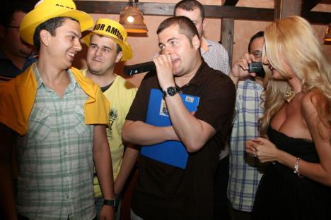Au sărbătorit ziua 'beerbatului'! (FOTO)