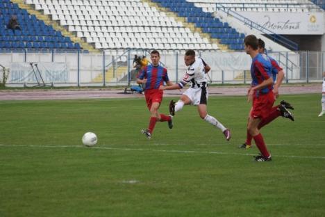 """Luceafărul a """"bătut"""" în deplasare Alba Iulia cu 3-0 (FOTO)"""