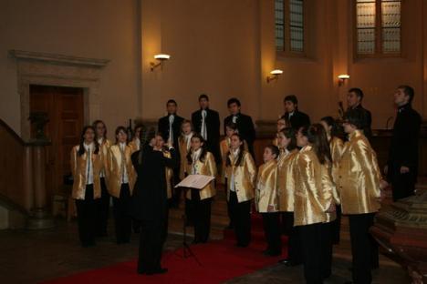 Orădenii din corul Fiat Lux, aur la Festivalul Internaţional de Muzică pentru Crăciun şi Advent