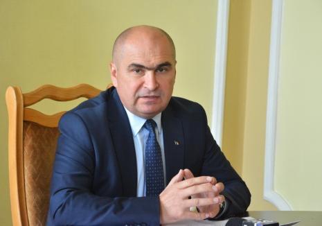 Primărie avariată: Majoritatea şefilor din Primăria Oradea, în frunte cu Bolojan, au ajuns în concediu medical