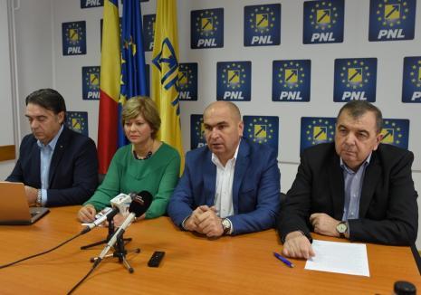 Liderii PNL Bihor, despre motivele pentru care vor ca bihorenii să-l voteze pe Iohannis şi despre proiectele pentru care cer sprijin de la noii guvernanţi