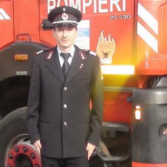 Pompier erou în timpul liber: plutonierul Ionuţ Buhăţel a salvat un septuagenar căzut în stradă