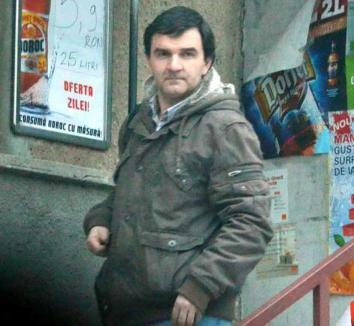 Doctor sabotor: Ginecologul Iuliu Şimon ia banii pacientelor, dar le trimite la Debreţin