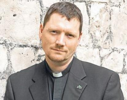 Un preot sfătuieşte enoriaşii să fure