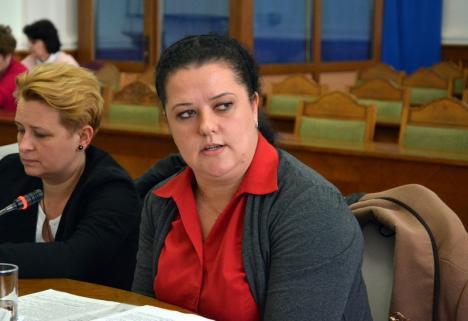 Consilierul local Kirei Melinda: 'Cer o analiză cost-beneficiu a acordurilor cadru încheiate de Primărie!'