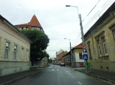 Pe strada Mihail Kogălniceanu din Oradea se circulă de acum în sens invers, către Parcul 1 Decembrie