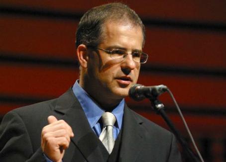 Primarul Debreţinului anunţă 'grecizarea' Ungariei