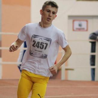 Atletul orădean Laviniu Chiş a devenit campion balcanic la juniori II în proba de 3000 de metri