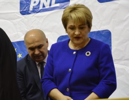 """Bolojan, somat """"să fie OM""""! Preşedintele CJ Bihor e criticat că face concedieri """"discreţionar"""" de către o adversară ajunsă la şefia PMP Bihor"""